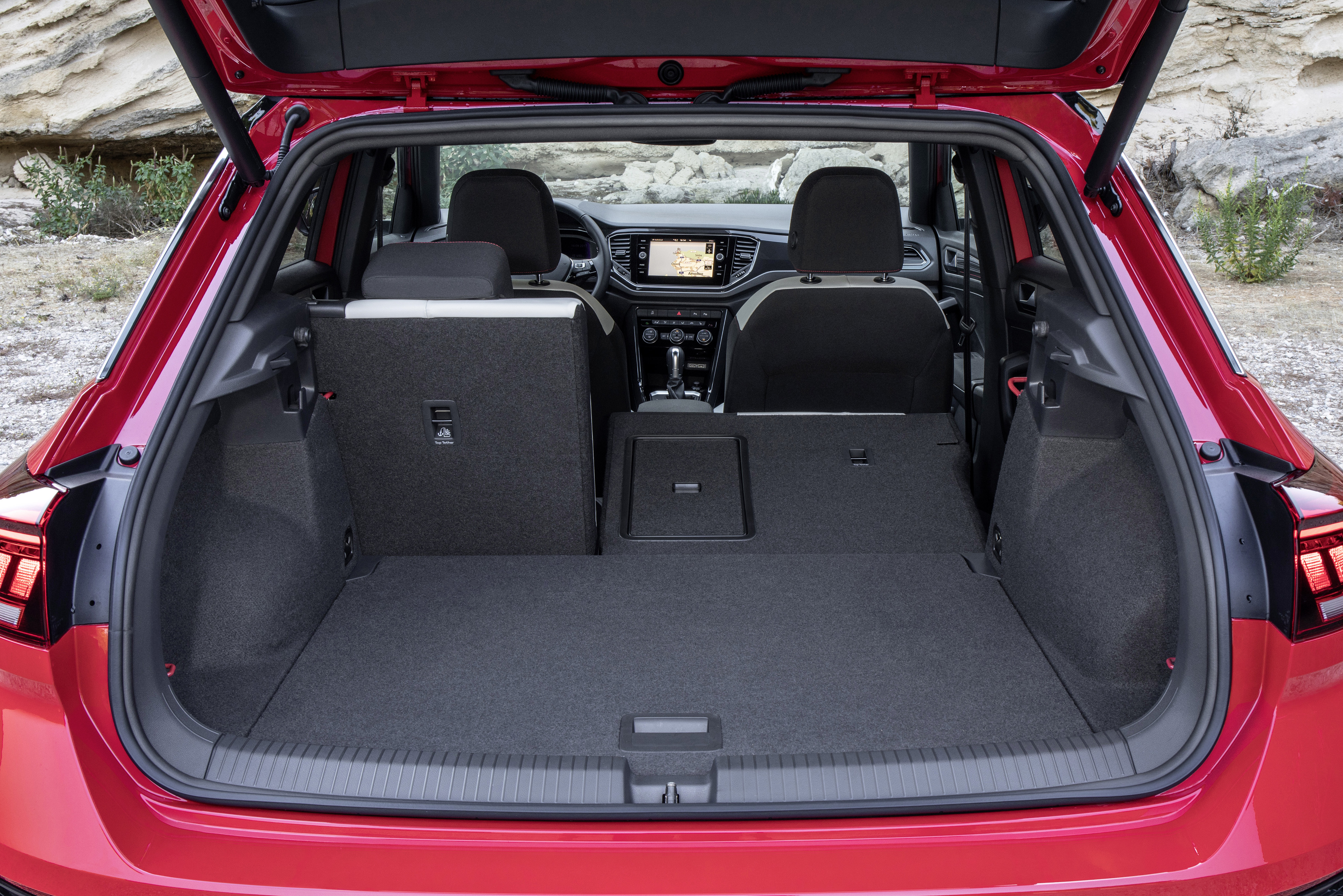 vw t roc abmessungen technische daten des golf suv carwow. Black Bedroom Furniture Sets. Home Design Ideas