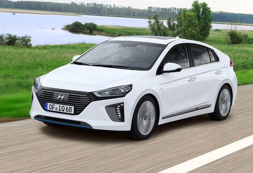 hyundai ioniq plug in hybrid im test mit bildern wertung carwow. Black Bedroom Furniture Sets. Home Design Ideas