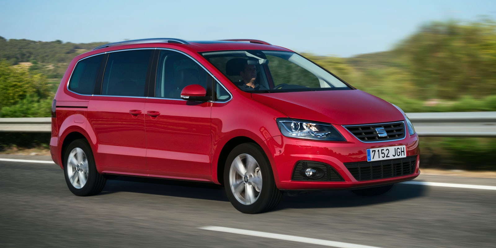 seat alhambra test technische daten preis carwow. Black Bedroom Furniture Sets. Home Design Ideas
